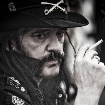 Lemmy Kilmister vocalista do Motörhead será o homenageado da noite