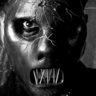 O corpo do baixista da banda Slipknot, Paul Gray, foi encontrado em um quarto de hotel