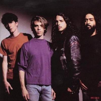 Soundgarden no começo de sua carreira. Eles prometem aos fans retorno em 2010