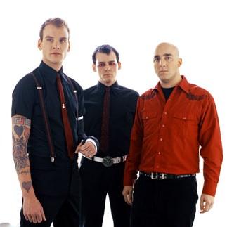 O trio anuncia novo disco