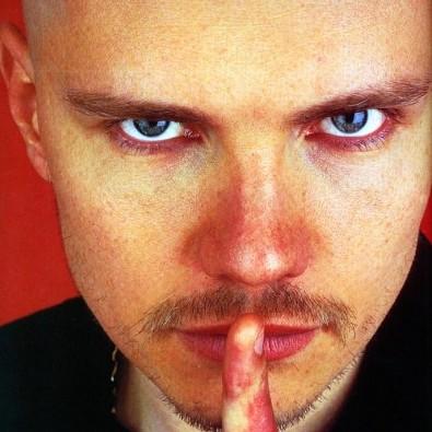 Billy Corgan não cansa de surpreender