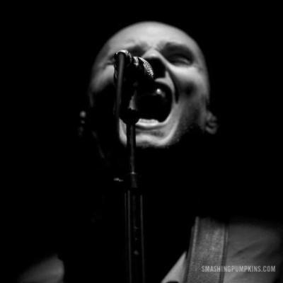 Anúncio convoca baixistas e tecladistas para integrar a banda Smashing Pumpkins
