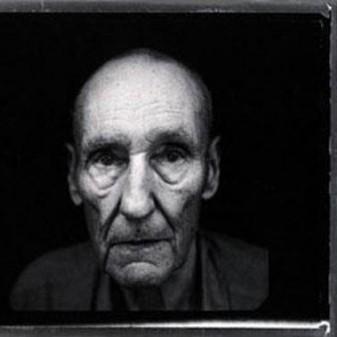 William S. Burroughs, padrinho do punk, ganha um documentário com grandes nomes da música.