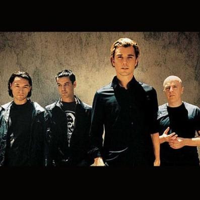 A banda Bush, sucesso pós-grunge dos anos 90, retorna depois de nove anos longe dos palcos