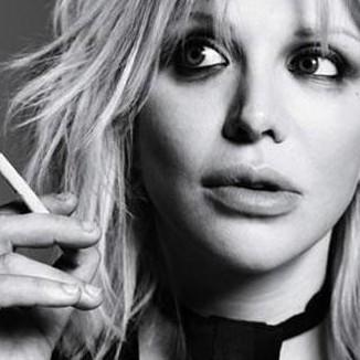Courtney Love cria grandes espectativas no lançamento do novo disco do Hole