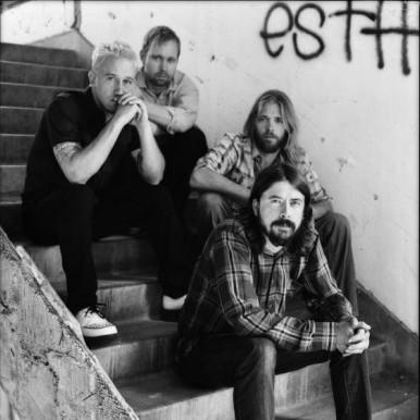 Foo Fighters divulga o nome do novo disco, Wasting Light, um dos mais esperados em 2011.