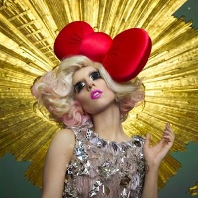 """Lady Gaga terá quatro músicas no game """"Bad Romance"""", """"Just Dance"""", """"Monster"""" e """"Poker Face""""."""