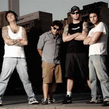 A banda comemora a marca de 11mil cópias vendidas