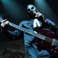 O baterista Joey Jordison afirma que o Slipknot irá gravar, mas sem substituir Paul Gray