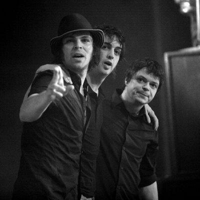 A banda inventa e experimenta durante a gravação do novo álbum